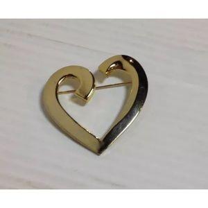 Jewelry - Open heart brooch pin